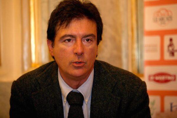 """""""Le notizie non sono solo quelle che passano i Pm…"""", parla il presidente dei giornalisti campani Ottavio Lucarelli"""
