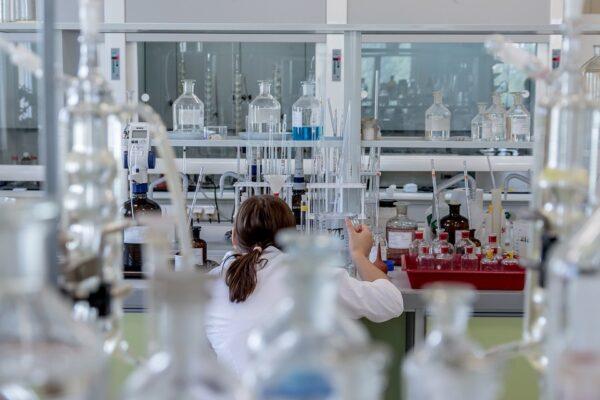 Nuova scoperta del Pascale: farmaci per colesterolo ed epilessia curano il tumore