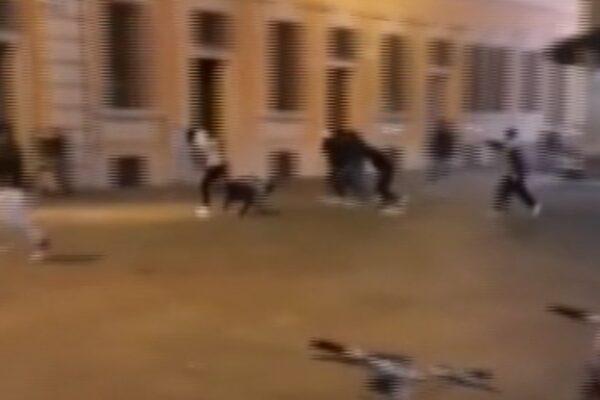 """Reggio Emilia, spara su un gruppo di giovani: """"Sono stati maleducati"""", arrestato"""