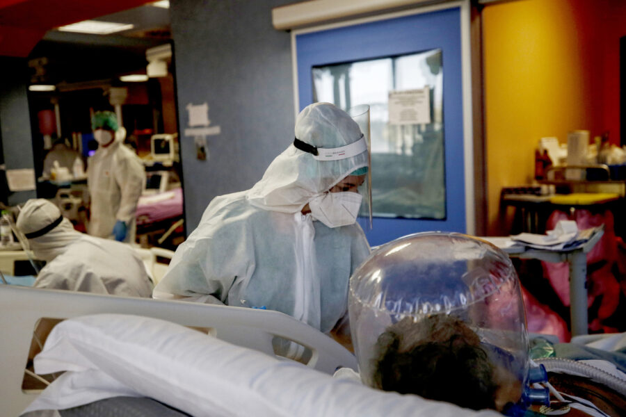 """Coronavirus, il rapporto Gimbe inchioda Conte: """"Fallito il sistema di tracciamento, politica senza strategia"""""""