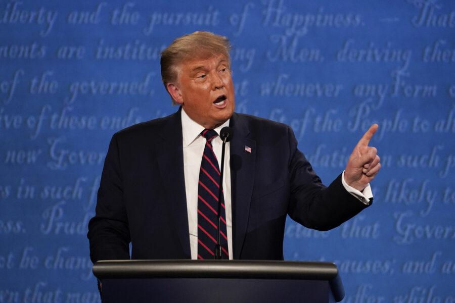"""""""Quanto è caduta in basso l'America"""", l'opinione di Massimo Teodori sul confronto Biden-Trump"""