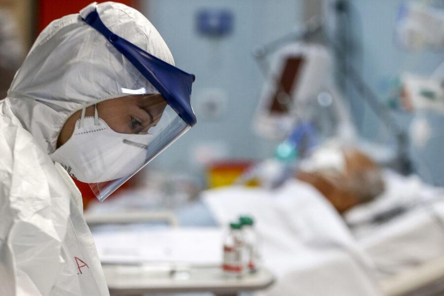 Coronavirus, superata quota 90mila morti: tasso di positività al 5%