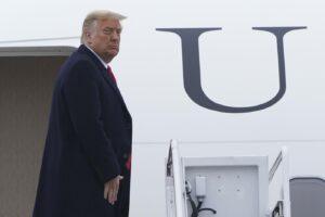 """""""Trump pensa alla ricandidatura nel 2024"""": l'indiscrezione dei media americani"""