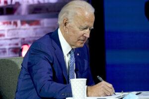 """Biden taglia le prigioni private: """"Stop a chi trae profitto dalle incarcerazioni"""""""