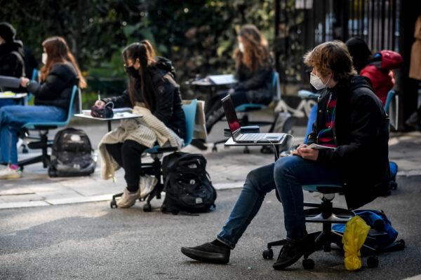 Scuole, il governo verso la riapertura il 7 gennaio: tutta Italia zona gialla 'rafforzata'