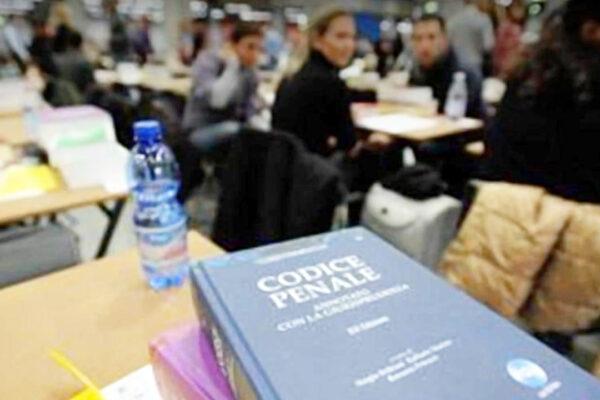 Esame da avvocato, i praticanti chiedono una sola prova orale