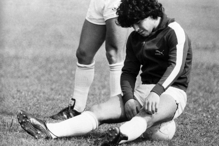 ©LaPresse Torino/Archivio storico Archivio Storico anni '80 sport calcio Diego Armando Maradona nella foto: il calciatore del Napoli Diego Armando Maradona durante un allenamento