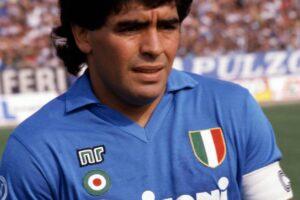 ? LaPresseArchivio storicoNapoli anno 1987sport calcioDiego Armando Maradonanella foto: il calciatore del napoli Diego Armando Maradona