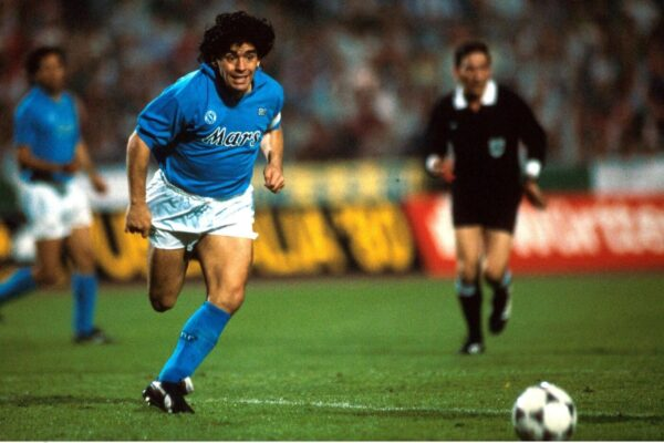 Storia di Diego Armando Maradona, il più grande fuoriclasse di sempre