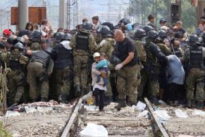 L'inferno dei migranti nel cuore dell'Europa, e l'Italia è complice