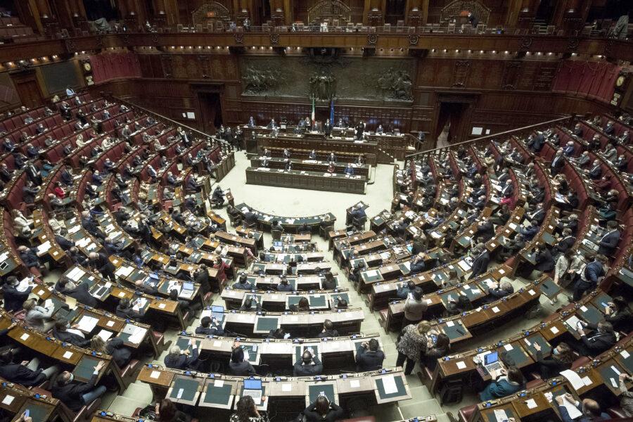Il Dl Sostegni è legge, via libera della Camera con 375 sì e 45 astenuti