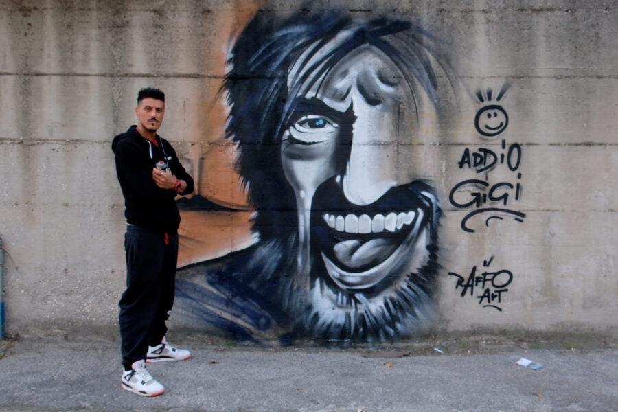 """Raffo Art omaggia Gigi Proietti con un murales: """"Porto i colori e la speranza nelle periferie di Napoli"""""""