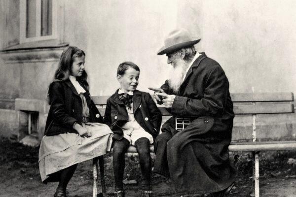 Tolstoj, maestro ribelle che creò un'altra scuola
