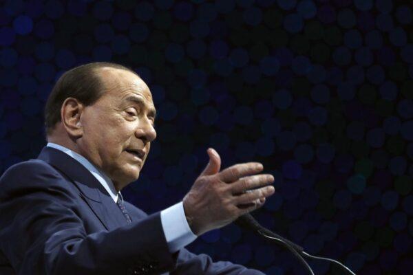 Berlusconi si riprende il centrodestra e detta la linea: dialogo col governo