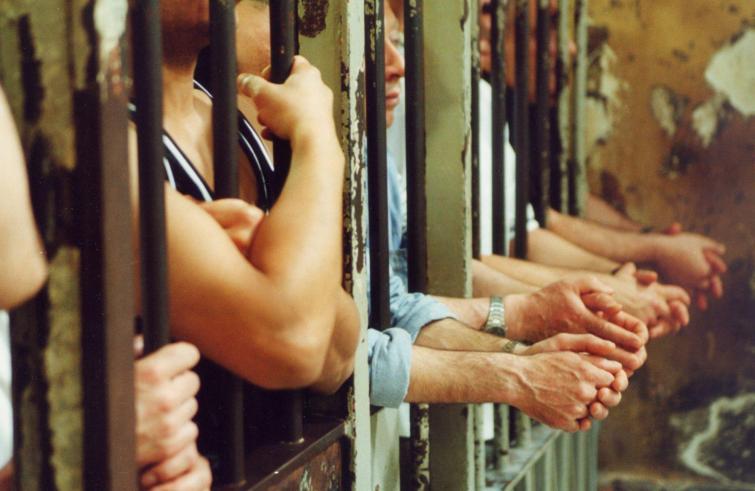 """Carceri, picco di contagiati: i garanti chiedono al Parlamento """"Liberazione anticipata"""""""