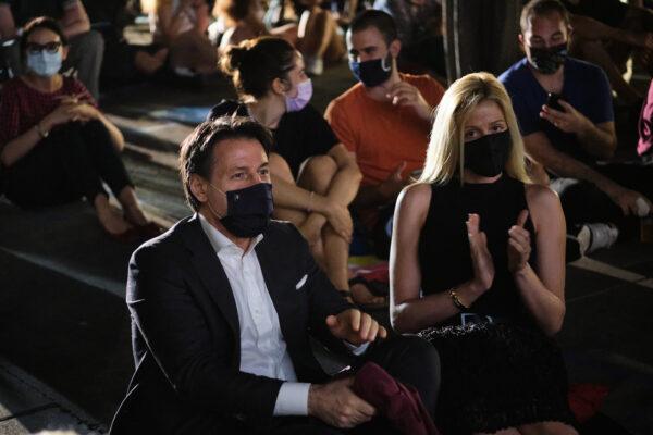 Il premier Conte indagato per peculato per la scorta utilizzata dalla fidanzata Olivia Paladino
