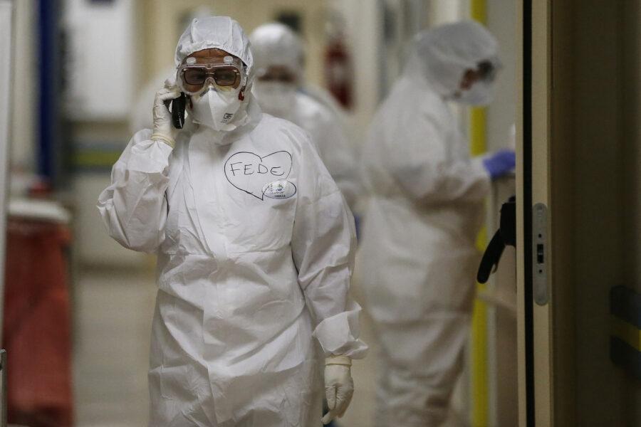 """Coronavirus, nuovi casi da record: oltre 34mila contagi e 445 morti. Rezza: """"Non un buon segnale"""""""