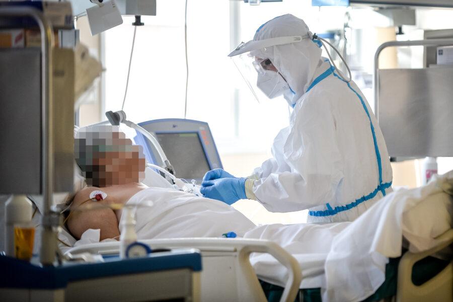 Coronavirus, altro record di morti nella 'seconda ondata': sono 753 con 34.283 nuovi contagi