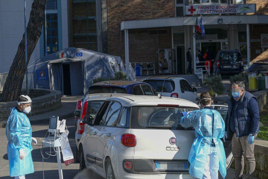 Campania, oltre 3mila e 700 nuovi positivi e 35 vittime: il bollettino giornaliero