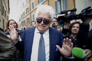 Vergogna Fatto e Repubblica, se la prendono con Verdini carcerato