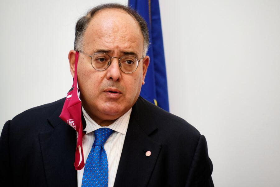 Calabria, è l'ex rettore della Sapienza Eugenio Gaudio il commissario: per Gino Strada delega al Covid