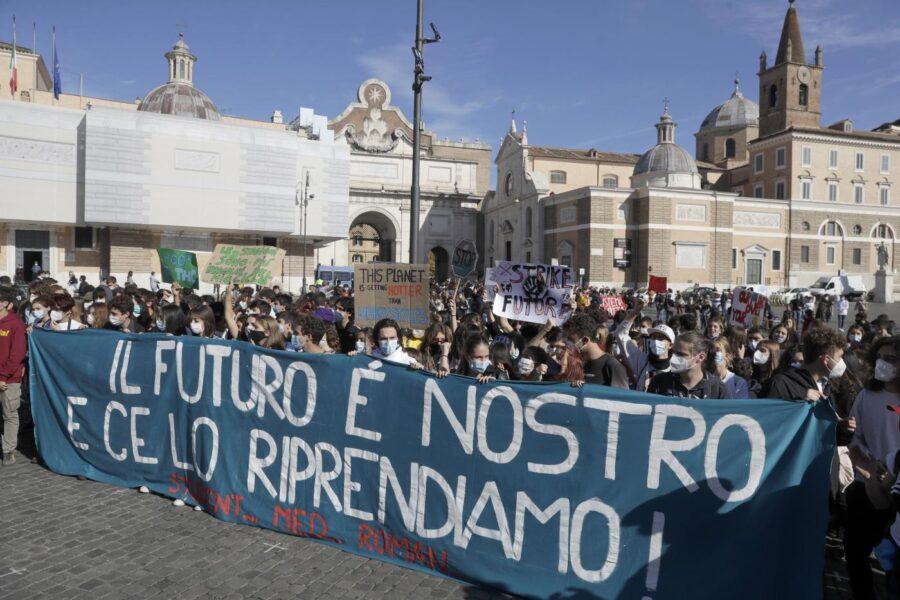 Giovani, ambiente e critica sociale: ripartiamo da qui
