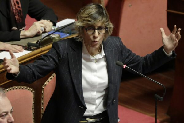 """""""Nei tribunali il virus galoppa e Bonafede non ci ha protetto"""": l'accusa di Giulia Bongiorno, positiva al Coronavirus"""