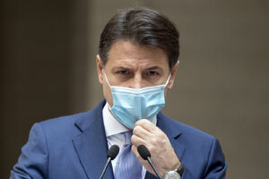 """Piero Sansonetti: """"Il governo non ha fatto nulla, non ha previsto la seconda ondata"""""""