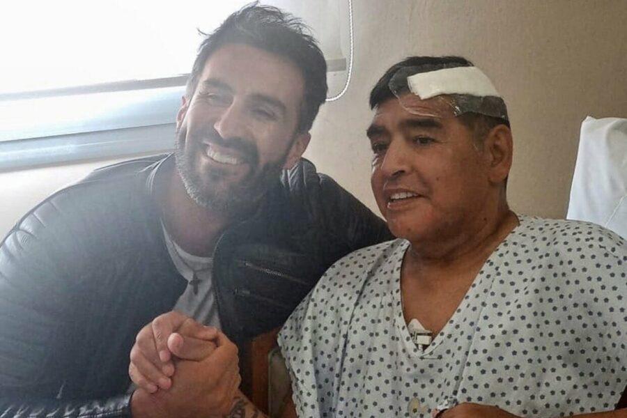 Maradona e il medico che lo ha operato al cervello Leopoldo Luque