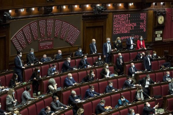 Via libera della Camera, Manovra record da 40 miliardi: la palla passa al Senato