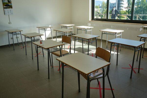 La Campania si prepara alla riapertura delle scuole: 350mila test antigenici per il personale scolastico e dei trasporti