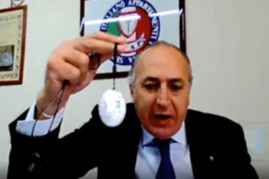 L'amuleto israeliano contro il Coronavirus, l'improbabile soluzione anti-Covid del segretario del sindacato di polizia Tiani