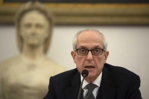 Caos Calabria, Tronca in pole come commissario: 'paparazzato' a pranzo col viceministro Sileri