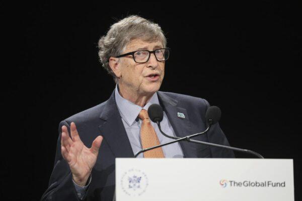 """Quando finirà la pandemia? Il pronostico di Bill Gates: """"La battaglia è ancora lunga"""""""