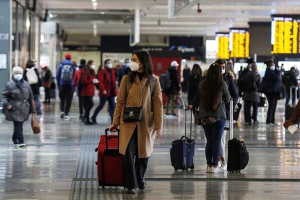 Dpcm Natale, la grande fuga da Nord a Sud: treni e bus esauriti per il 20 dicembre