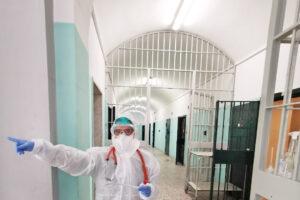 """Covid in carcere, da inizio pandemia 609 casi in Campania: """"Presto, si facciano i vaccini"""""""