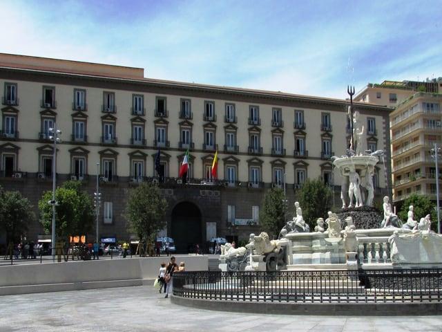 A Napoli non bastano i soldi, contro la crisi servono idee riformiste
