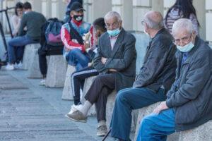 I giovani salvino gli anziani, sono persone come loro