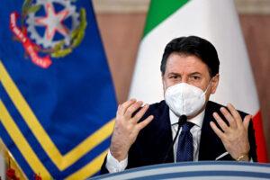 Dal 7 al 15 gennaio Italia tra zona gialla e arancione (le regioni a rischio): spostamenti bloccati e due ospiti a casa