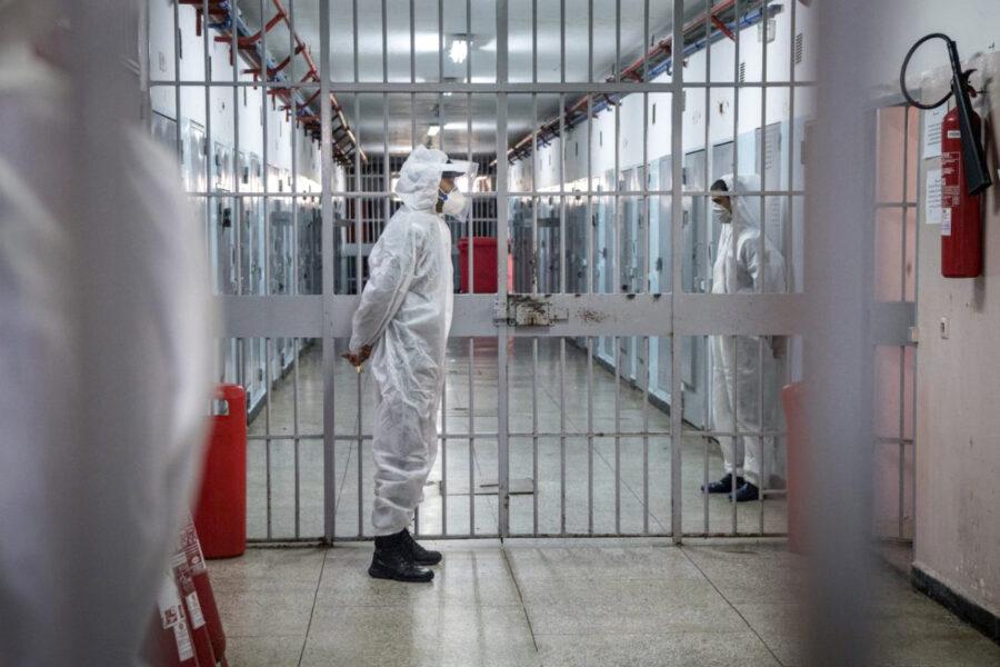 Le carceri diventano un vero e proprio inferno: detenuti contagiati e infreddoliti