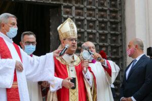 Il Cardinale Sepe digiuna per ricordare a tutti che anche i detenuti hanno una dignità
