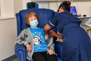 """Nuova variante di coronavirus scoperta in Gran Bretagna: """"Ricoveri e contagi aumentati rapidamente"""""""