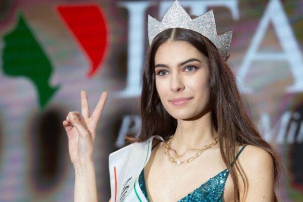 Chi è Martina Sambucini, la 19enne Miss Italia dell'anno del Covid