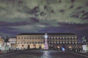 Natale: Confesercenti Campania, ecco l'albero per Napoli in Piazza del Plebiscito