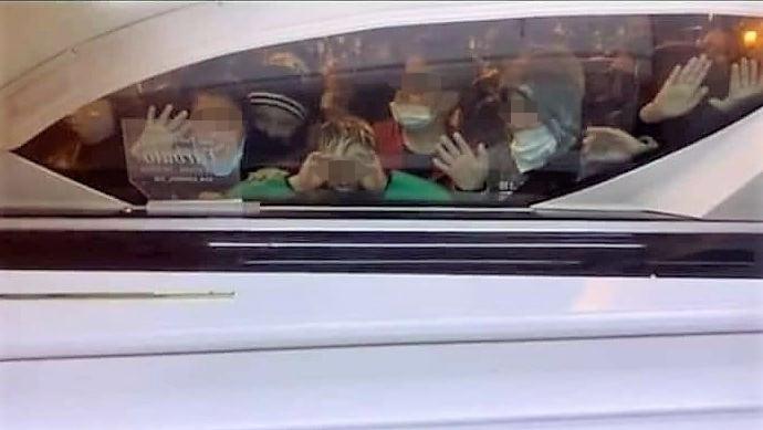 Taranto, muore a 11 anni per tumore: i piccoli amici accompagnano Vincenzo per il suo ultimo viaggio