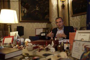Napoli, partiti debolissimi e la città diventa merce di scambio…
