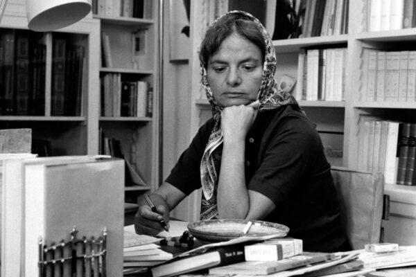 Elsa Morante, biografia di una scrittrice radicale