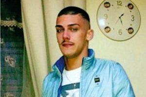 """Gambe amputate dopo l'agguato, Gaetano torna a casa dopo 3 mesi: """"Amici spariti, voglio giustizia"""""""