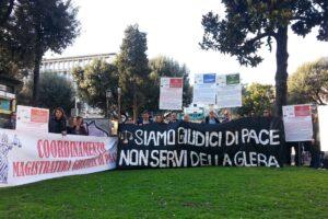 """Giudici di pace in sciopero della fame: """"Stanchi della vita da eterni precari"""""""