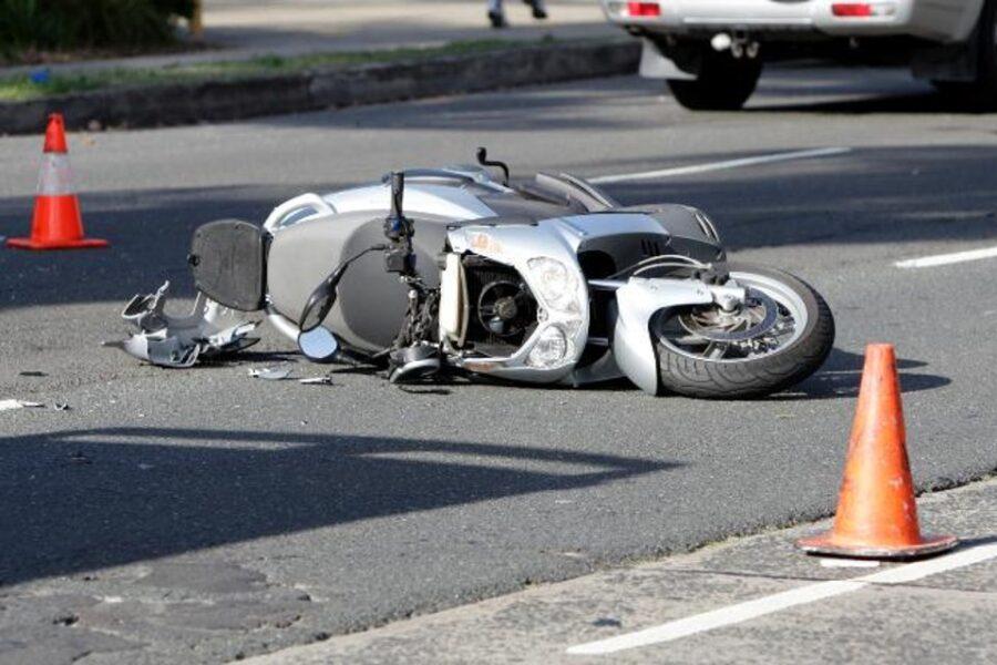 Roma Nord, muore 28enne in un incidente stradale. Pirata della strada in fuga